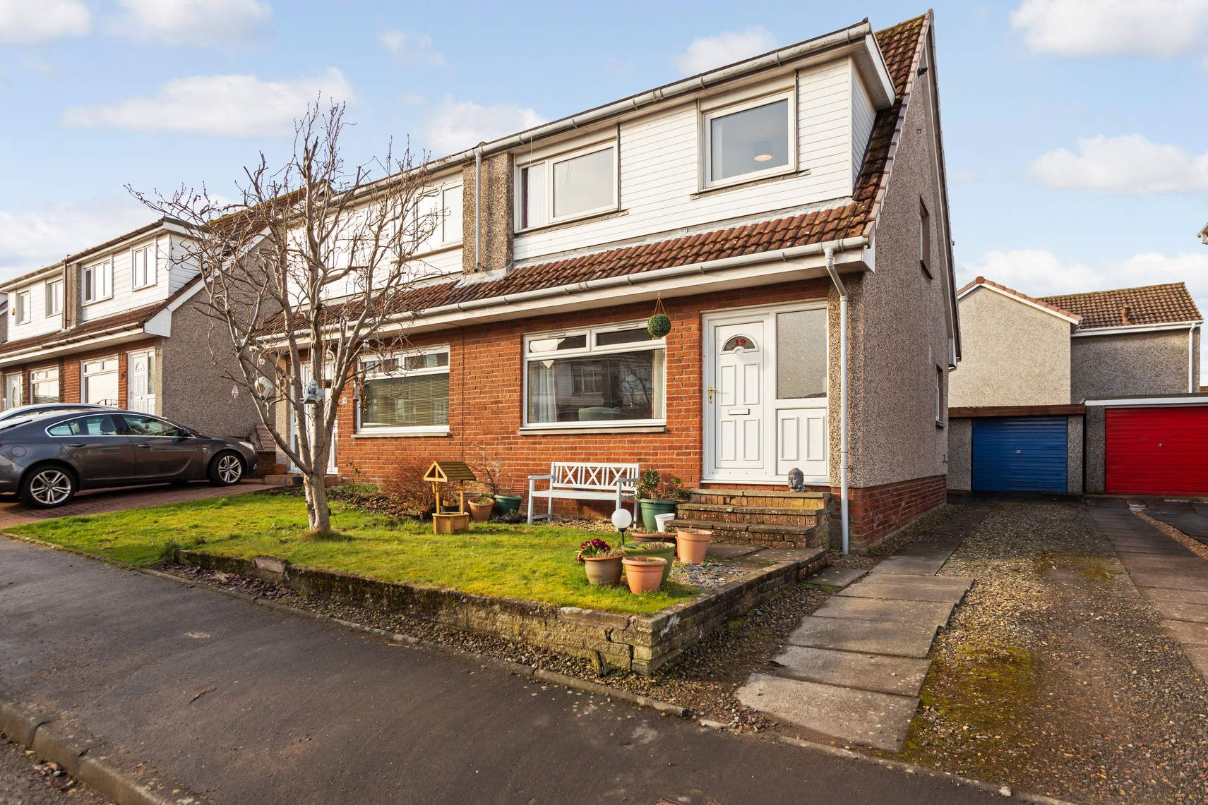 19 Cairnwell Place, Cairneyhill, DUNFERMLINE, KY12 8XE