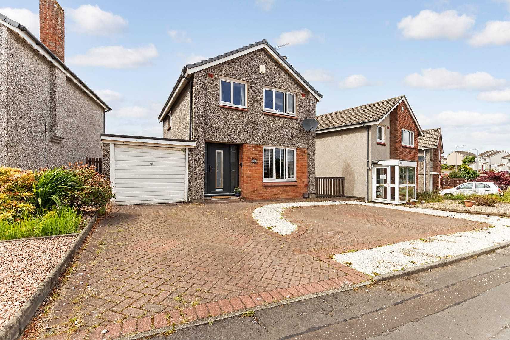 233 Pitcorthie Drive, DUNFERMLINE, KY11 8BS